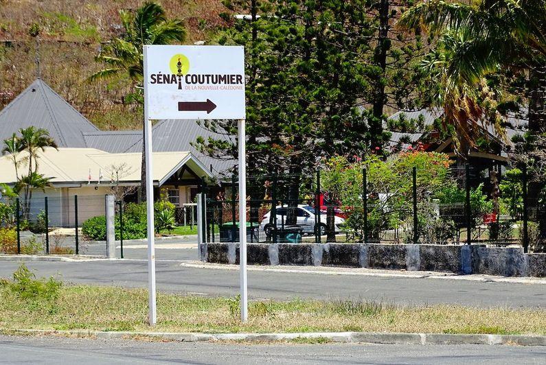 Le sénat coutumier appelle «à une large réflexion» sur les accidents de la route