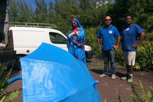 Vierge au parasol vandalisée
