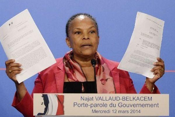 Le 12 mars 2014, Christiane Taubira improvise une conférence de presse à la sortie du conseil des ministres pour se défendre d'avoir menti sur l'affaire des écoutes de Nicolas Sarkozy.
