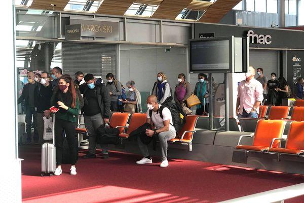 Premier rapatriement de Calédoniens depuis la Métropole, départ de Roissy, 16 avril 2020