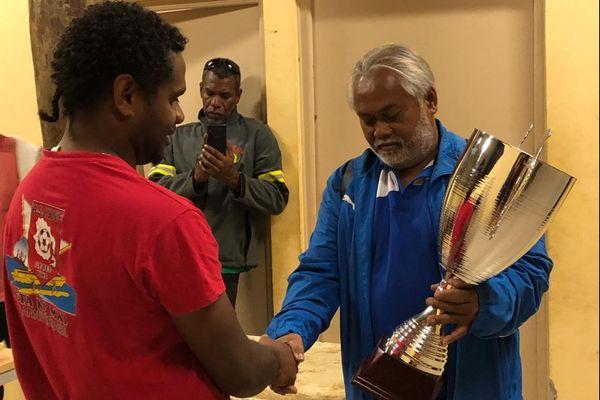 Remise du trophée de PH Sud à l'AS Kunié