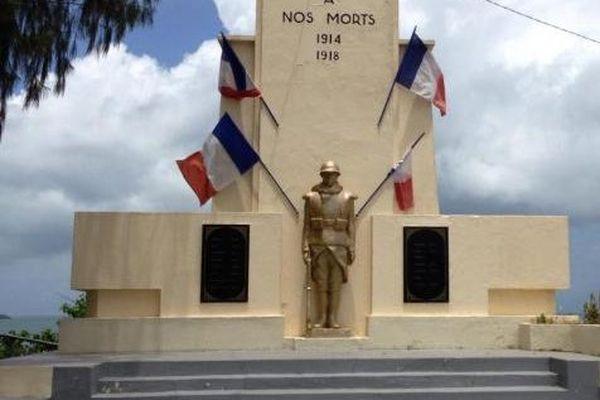 Le monument aux morts de Baie-Mahault