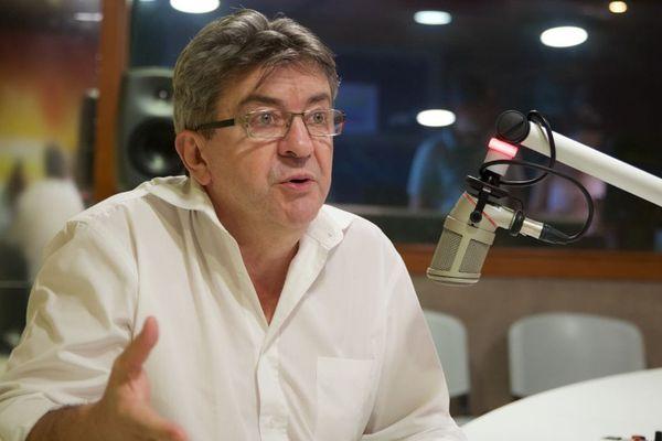 Jean-Luc Melenchon veut séduire les électeurs guadeloupéens