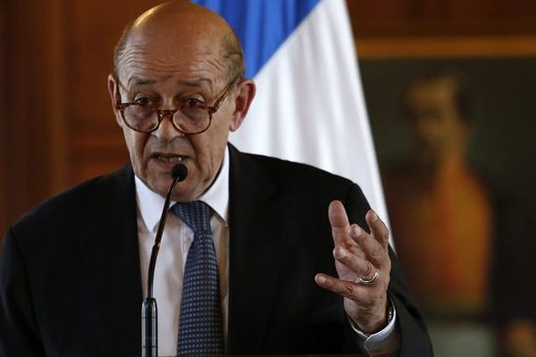 Le chef de la diplomatie française, Jean-Yves Le Drian, est en Colombie.
