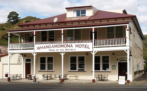 En Nouvelle-Zélande, l'hôtel de la «république de Whangamomona».