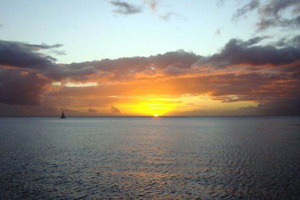 coucher de soleil en mer .jpeg