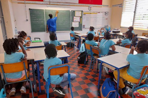 reprise école petit-bourg