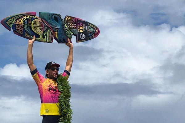 Owen Wright remporte la Tahiti Pro