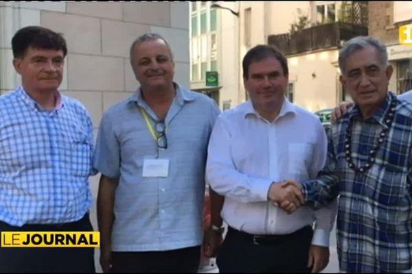 Politique : la course aux soutiens d'Oscar Temaru