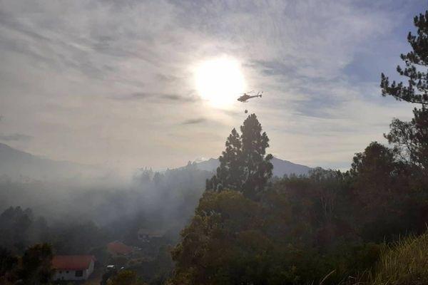 Feu aux Pétroglyphes, hélicoptère, 2 février