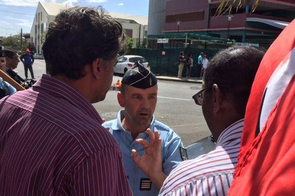 Manif devant Medef : gendarme apaise