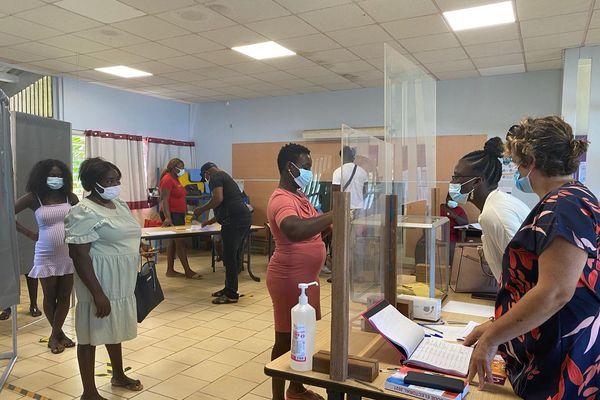 Bureau de vote 3 à Apatou le 12 septembre