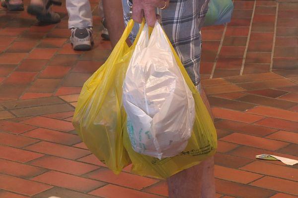 poches plastiques au marché