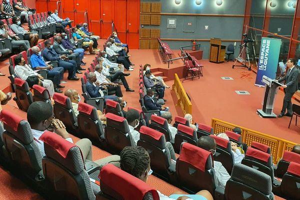 Convention CNES, les maires de Guyane au CSG