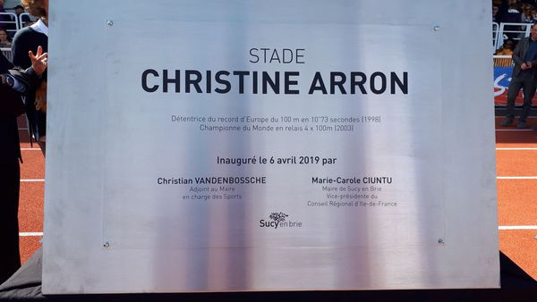 Stade Christine Arron : la plaque