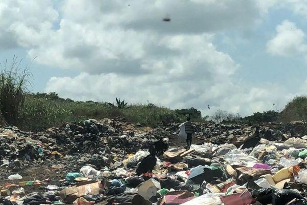 Décharge municipale d'Oiapoque au Brésil