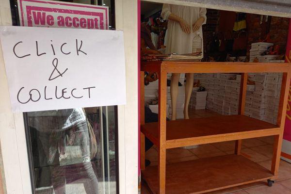 Affiche click&collect sur commerces à Fort-de-France