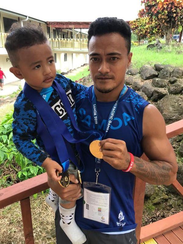 Samoa 2019, fils d'haltérophile samoan médaillé, Vaipava Nevo Ioane.