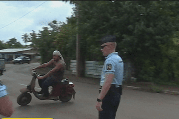 contrôle de gendarmerie à Mata Utu
