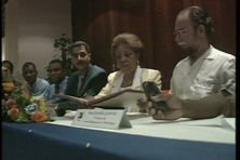 Signature de la déclaration de Basse-Terre par les trois présidents de région, 01 décembre 1999