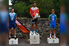 Le Martiniquais Lucas Villeronce est sur la plus haute marche du podium.