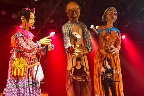 Marionnettes géantes / festival de Fort-de-France
