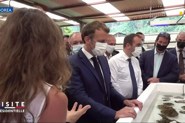 E Macron au CRIOBE