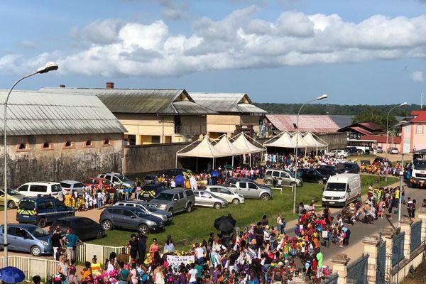 carnaval des écoles à ST Laurent