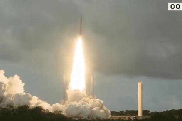 Septième et dernier lancement d'Ariane en 2016
