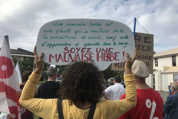 Rassemblement contre le racisme et les extrêmes droites à Champ-Fleuri