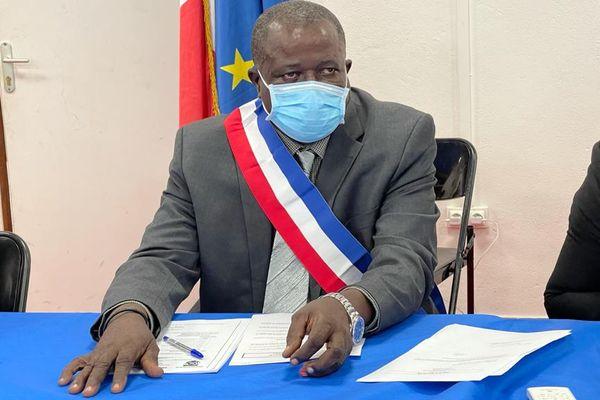 François Lokati maire d'Apatou