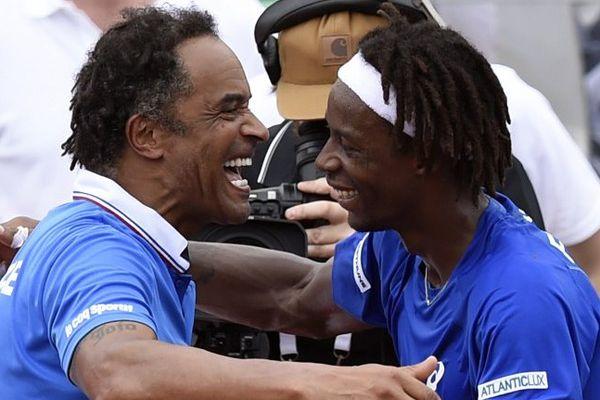 Yannick Noah félicite Gaël Monfils au premier tour de la Coupe Davis en Guadeloupe