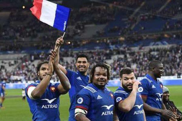Les Bleus après leur victoire à Saint Denis ce samedi 10 mars 2018