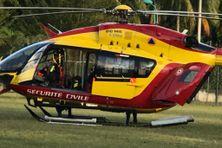 """Hélicoptère """"Dragon 972"""" de la sécurité civile en Martinique"""