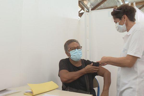 Centre de vaccination (Lucienne)