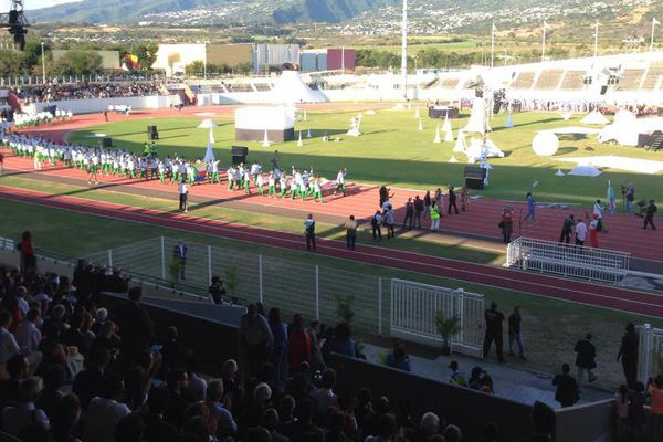 Les Comoriens quittent le stade