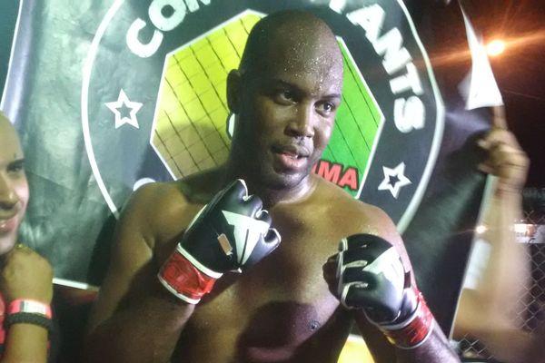 Nahel Lama champion poids lourd du North Extreme Cagefighting en Amapa
