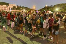 Des milliers de Calédoniens étaient présents place Bir-Hakeim pour la retraite aux Flambeaux