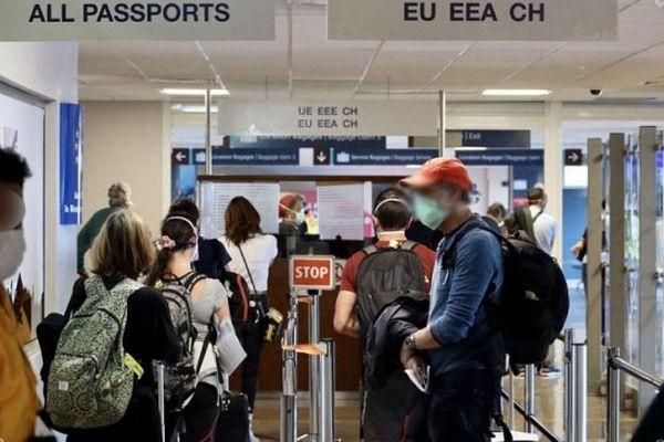 Voyageurs aéroport
