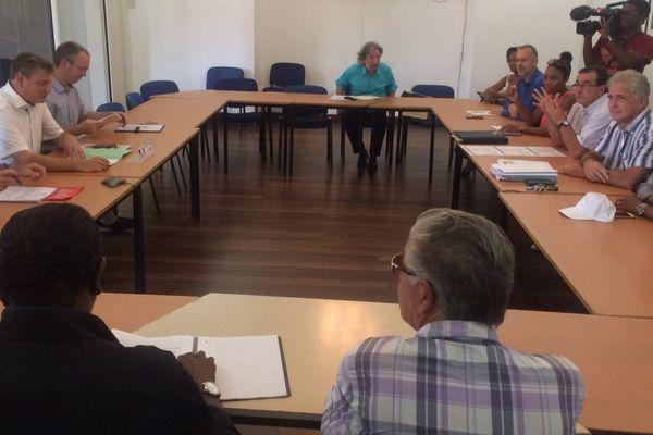 Les acteurs du BTP en négociation à la préfecture le 30 juin