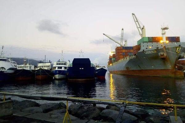 port anjouan