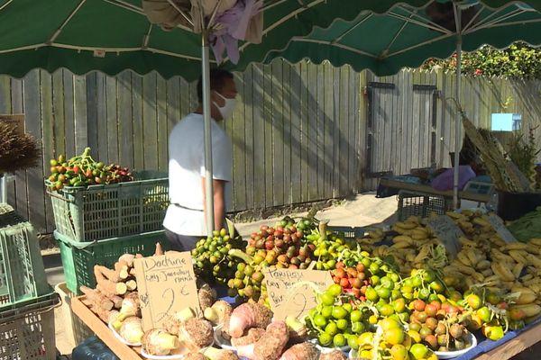 Un étal du marché de Saint-Laurent
