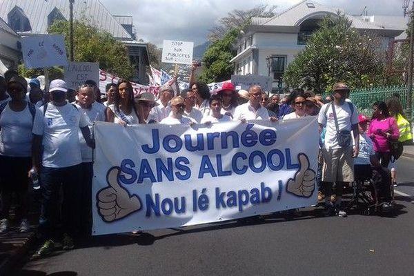 1ere Journée sans alcool marche blanche Saint-Denis 061018
