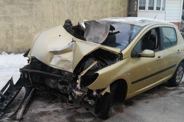 Un accident de voiture au centre-ville de Saint-Pierre