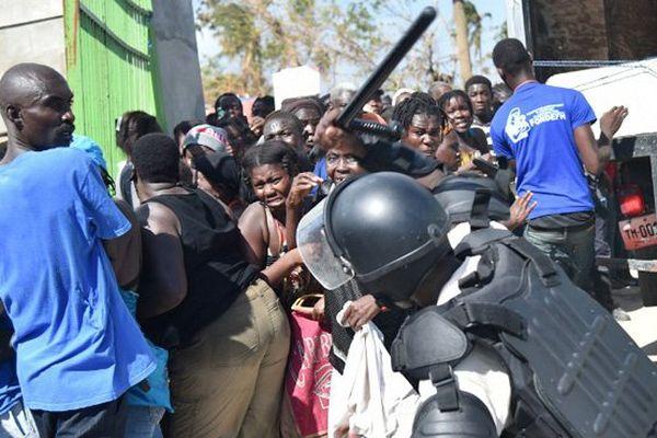 haiti foule