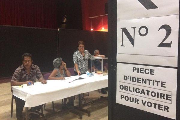 bureau de vote La Foa élection