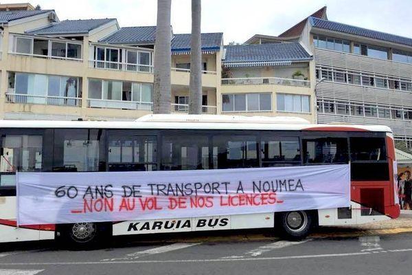 Bus Karuia mobilisation licences province Sud (29 août 2017)