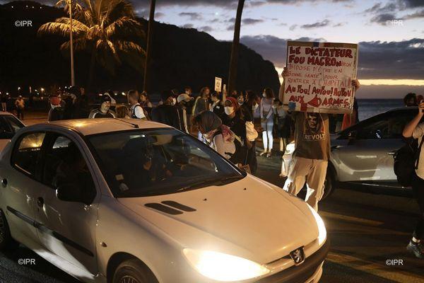 Manifestation contre la gestion de la crise sanitaire coronavirus covid Barachois préfecture de La Réunion 290721