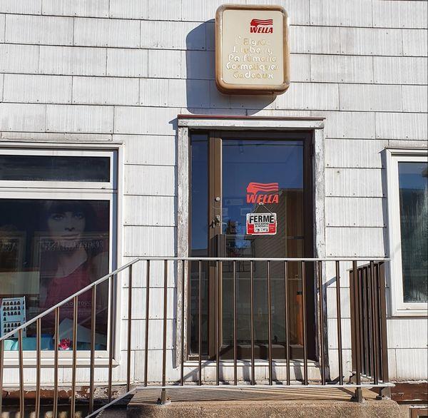 Les magasins sont fermés à Saint-Pierre