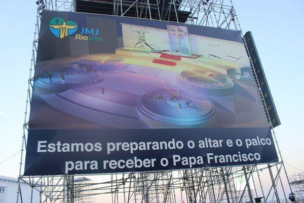 Ce à quoi ressemblera la scène pour l'accueil du pape